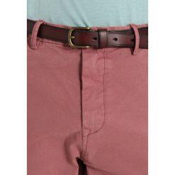 Spodnie męskie: Scotch & Soda STUART Spodnie materiałowe old pink