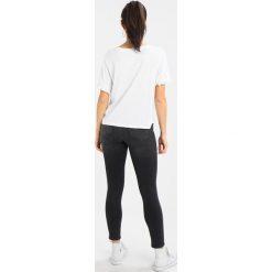 T-shirty damskie: Sundry DAY OFF Tshirt z nadrukiem white