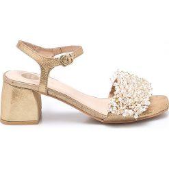 Gioseppo - Sandały. Szare sandały damskie Gioseppo, z materiału, na obcasie. W wyprzedaży za 299,90 zł.