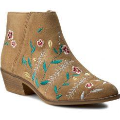Botki GUESS - Joanah FLJOA1 SUE09 BEIGE. Czarne buty zimowe damskie marki Guess, z materiału. W wyprzedaży za 349,00 zł.