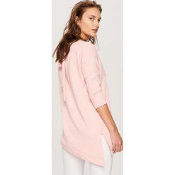 Bluzy damskie: Asymetryczna bluza – Różowy