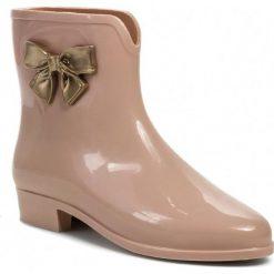 Kalosze MEL BY MELISSA - Mel Pop Bow Sp Ad 32051 Beige/Gold 51866. Czerwone buty zimowe damskie Mel by Melissa, z tworzywa sztucznego. W wyprzedaży za 149,00 zł.