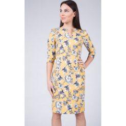 Sukienki: Musztardowa sukienka w kwiaty QUIOSQUE