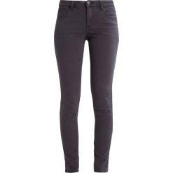 S.Oliver RED LABEL Jeansy Slim Fit black melange denim. Czarne jeansy damskie marki s.Oliver RED LABEL, z bawełny. W wyprzedaży za 168,35 zł.