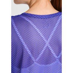 Nike Performance Koszulka sportowa paramount blue/white. Niebieskie topy sportowe damskie marki Nike Performance, l, z elastanu. W wyprzedaży za 146,30 zł.