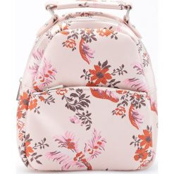 Torebki i plecaki damskie: Plecak w kwiaty - Różowy