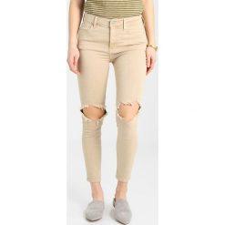 Free People BUSTED  Jeans Skinny Fit beige. Brązowe rurki damskie Free People. Za 349,00 zł.