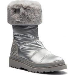 Kozaki GUESS - FLVFE4 FAB10 SILVE. Szare buty zimowe damskie Guess, z materiału. Za 669,00 zł.