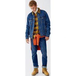 Kurtki męskie: Kurtka jeansowa ze sztruksowym kołnierzem