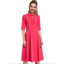 Sukienka rozkloszowana z wiązaniem moe298. Czerwone długie sukienki Moe, na imprezę, xl, dekolt w kształcie v, dopasowane. W wyprzedaży za 139,00 zł.