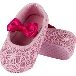 Soxo - Kapcie dziecięce. Szare kapcie dziewczęce marki Soxo, z gumy, z okrągłym noskiem. Za 39,99 zł.