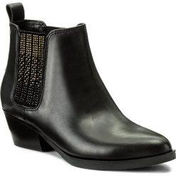 Sztyblety GUESS - Verla FLVER3 LEA09 BLACK. Czarne botki damskie na obcasie marki Guess, z materiału. W wyprzedaży za 419,00 zł.