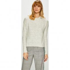Review - Sweter. Szare swetry klasyczne damskie marki Review, l, z tkaniny, z okrągłym kołnierzem. Za 149,90 zł.
