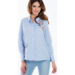 Niebieska koszula w kratę z haftem 21275. Niebieskie koszule damskie Fasardi, m, z haftami. Za 59,00 zł.