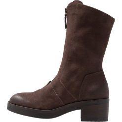 Lilimill VASCO Kozaki na platformie testa di moro. Czarne buty zimowe damskie marki Kazar, z futra, przed kolano, na wysokim obcasie, na koturnie. Za 719,00 zł.