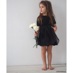 Sukienka dziecięca wizytowa mała czarna. Czarne sukienki dziewczęce wizytowe Pakamera, z bawełny. Za 120,00 zł.