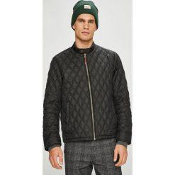 Pepe Jeans - Kurtka. Czarne kurtki męskie jeansowe Pepe Jeans, l. W wyprzedaży za 419,90 zł.