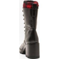 Botki damskie lity: Sigerson Morrison GLADYS Botki sznurowane black/red