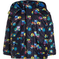 JoJo Maman Bébé COSY WATERPROOF FISHERMANS Kurtka przeciwdeszczowa dark blue. Niebieskie kurtki chłopięce przeciwdeszczowe marki JoJo Maman Bébé, z materiału. Za 239,00 zł.