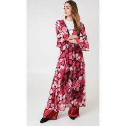 NA-KD Boho Szyfonowa sukienka płaszczowa - Pink,Multicolor. Niebieskie długie sukienki marki NA-KD Boho, na imprezę, w koronkowe wzory, z koronki, boho, na ramiączkach. Za 133,95 zł.