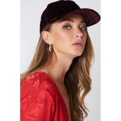 VANS Czapka z daszkiem Glazier - Red. Czerwone czapki z daszkiem damskie Vans. Za 128,95 zł.