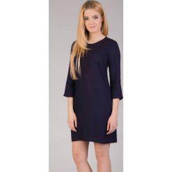 Sukienki: Granatowa sukienka z haftem QUIOSQUE