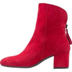 Lamica QUAL Botki rosso. Czerwone botki damskie na zamek Lamica, z materiału, klasyczne. Za 549,00 zł.