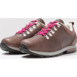 Dachstein ANNA II Obuwie hikingowe dark brown/cranberry. Brązowe buty trekkingowe damskie Dachstein, z gumy, outdoorowe. Za 599,00 zł.