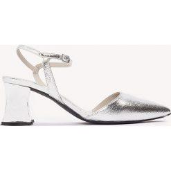 Buty ślubne damskie: NA-KD Shoes Metaliczne czółenka z noskiem w szpic - Silver