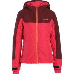PYUA UNION Kurtka snowboardowa jester red/jazzy pink. Czerwone kurtki damskie narciarskie PYUA, xs, z materiału. W wyprzedaży za 734,50 zł.