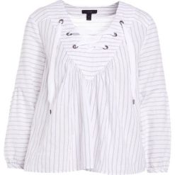 Bluzki damskie: J.CREW ELLINGTON LACE UP TOP CRINKLE STRIPE Bluzka white blue