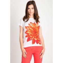 Bluzki damskie: Bluzka z pomarańczowym kwiatem QUIOSQUE