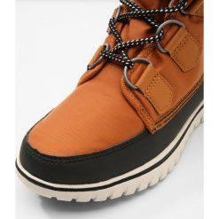 Buty zimowe damskie: Sorel COZY CARNIVAL Botki sznurowane caramel/black