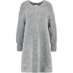 American Vintage ZAPITOWN Kardigan heather grey. Szare sukienki hiszpanki American Vintage, z bawełny. W wyprzedaży za 535,20 zł.