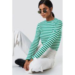 Paski damskie: NA-KD Trend Top w paski z długim rękawem – Green