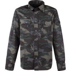 Brandit Slim Fit Shirt Koszula kamuflaż (Dark Camo). Białe koszule męskie na spinki marki Brandit, l, z aplikacjami, z bawełny, z długim rękawem. Za 121,90 zł.