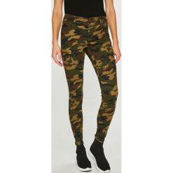 Answear - Jeansy. Brązowe jeansy damskie rurki ANSWEAR, z bawełny. W wyprzedaży za 89,90 zł.