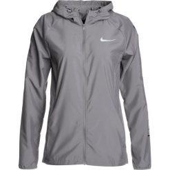 Nike Performance ESSENTIAL JAKET HOODED Kurtka do biegania gunsmoke/black/reflective silver. Szare kurtki damskie do biegania Nike Performance, xs, z materiału. W wyprzedaży za 239,25 zł.