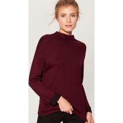 Sweter oversize z półgolfem - Bordowy. Czerwone swetry oversize damskie Mohito, l. Za 89,99 zł.