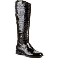 Oficerki GINO ROSSI - DKG226-G12-D300-9900-F 99. Czarne buty zimowe damskie marki Gino Rossi, z lakierowanej skóry, na obcasie. W wyprzedaży za 429,00 zł.