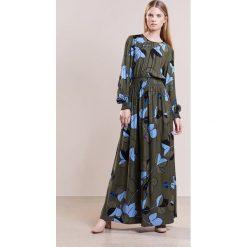 Długie sukienki: Stine Goya GERTHA Długa sukienka cedar