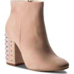 Botki CARINII - B4366 504-000-000-C00. Brązowe buty zimowe damskie Carinii, ze skóry. W wyprzedaży za 249,00 zł.