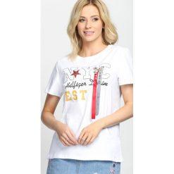 Bluzki damskie: Biały T-shirt Just a Feeling