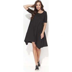 Czarna Trapezowa Sukienka z Wydłużonymi Bokami. Szare sukienki asymetryczne marki bonprix, melanż, z dresówki, z kapturem, z długim rękawem, maxi. Za 104,90 zł.