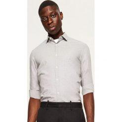 Koszula slim fit - Brązowy. Brązowe koszule męskie slim marki Reserved, m, z bawełny. Za 69,99 zł.