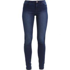 Noisy May LUCY Jeans Skinny Fit dark blue denim. Niebieskie rurki damskie Noisy May. W wyprzedaży za 143,10 zł.