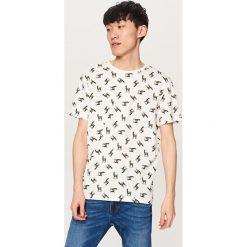T-shirty męskie: T-shirt z nadrukiem w lamy – Kremowy