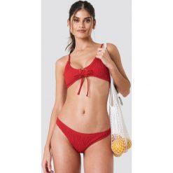 Bez Kategorii: J&K Swim X NA-KD Marszczona góra bikini ze sznurowaniem - Red