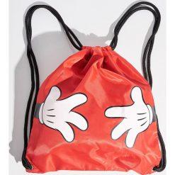Plecak worek Mickey Mouse - Czerwony. Czerwone plecaki damskie Sinsay, z motywem z bajki. W wyprzedaży za 29,99 zł.