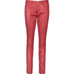 """Spodnie """"Antonia"""" - Skinny fit - w kolorze ciemnoczerwonym. Rurki damskie marki Rosner, w paski, ze skóry. W wyprzedaży za 173,95 zł."""